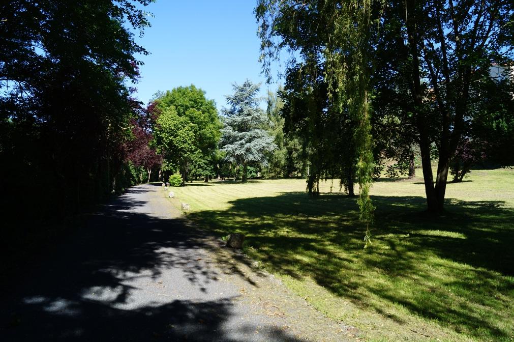 Allée du parc d'Oussoulx